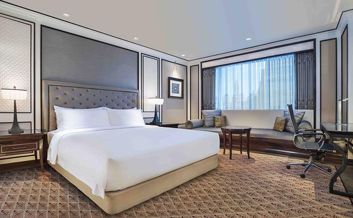 """พักผ่อนอย่างหรูและคุ้มค่า ด้วย """"ซัมเมอร์ดรีมมิ่ง"""" แพ็กเกจที่ โรงแรม ดิ แอทธินี โฮเทล แบงค็อก อะ ลักซ์ชูรี คอลเล็คชั่น โฮเทล"""