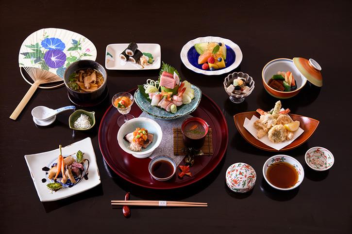 เมนูพิเศษช่วงฤดูร้อนของประเทศญี่ปุ่น ที่ห้องอาหารยามาซาโตะ
