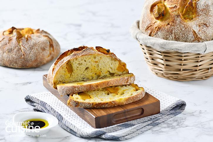 ขนมปังโกลเดนคอร์นฟักทอง ขนมอบที่ทำได้ที่บ้าน