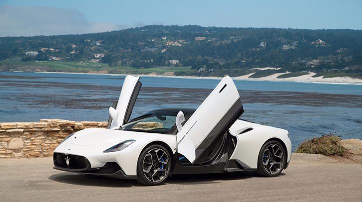 Maserati MC20 เฉิดฉายบนพื้นหญ้าที่ Pebble Beach ต้อนรับการกลับมาของงาน Monterey Car Week
