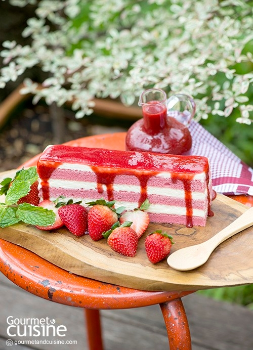 Strawberry Red Cake with Sweet Red Sauce