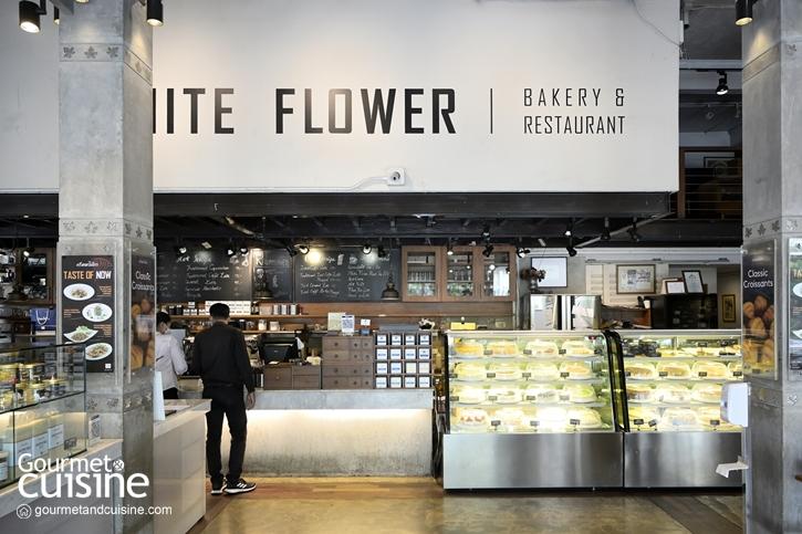 """""""ครัวดอกไม้ขาว"""" ร้านอาหารไทยในตำนานที่มากี่ครั้งก็ยังประทับใจ"""
