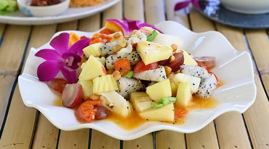 Phrao Hom café คาเฟ่มะพร้าว บรรยากาศดีที่ย่านบ้านแพ้ว