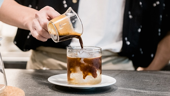 Bora Bora Cafe คาเฟ่มินิมอลบนถนนหลานหลวงที่มาพร้อมกับกาแฟแบบออสซี่